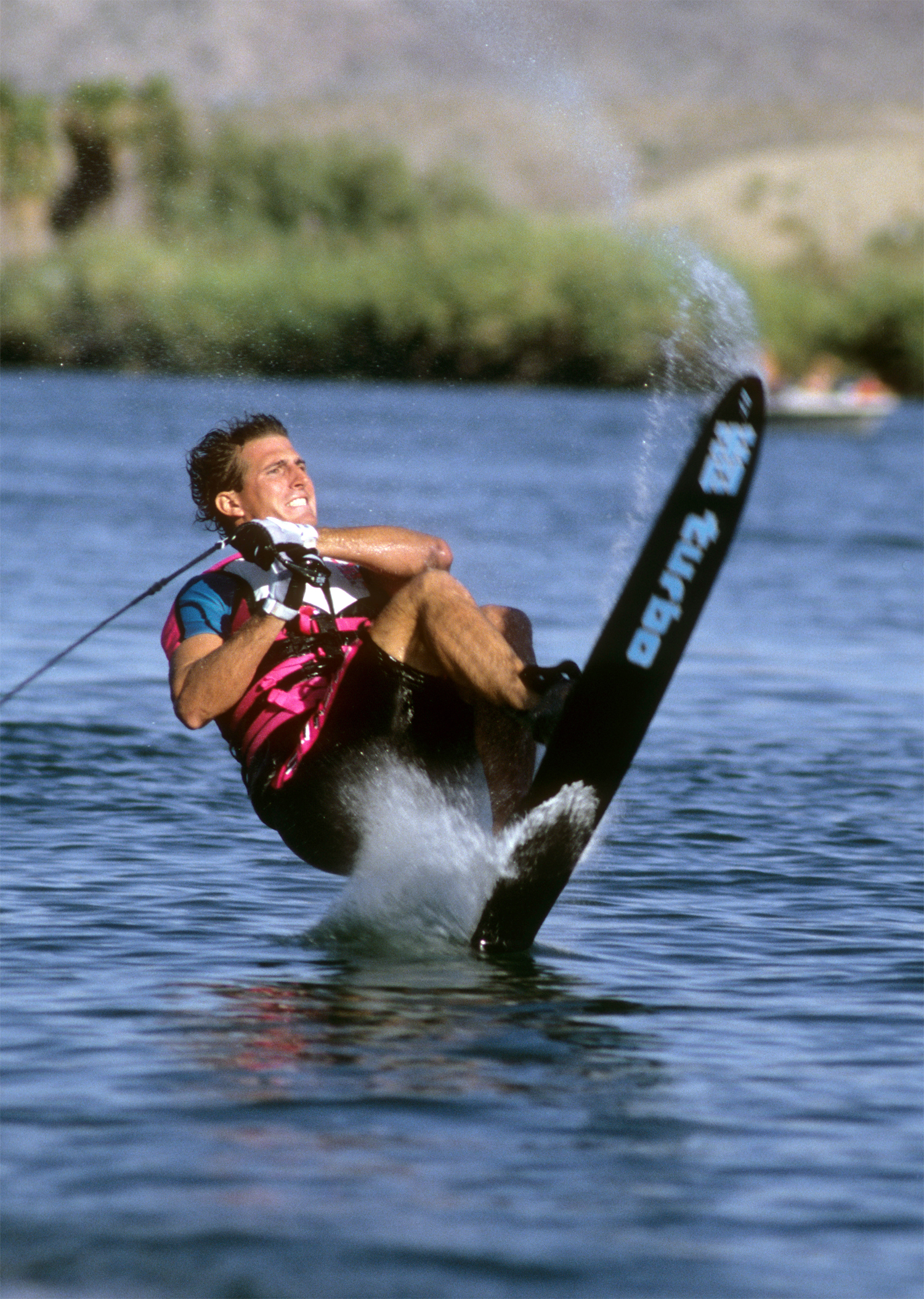 d_TonyKlarich.com_Water_Skiing_FRONTFLIPLAND_HotDog_Creative_Commons_Free_3MR