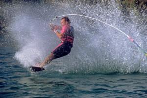 g_TonyKlarich.com_Water_Skiing_OVERHEADTICKTOCK_HotDog_Creative_Commons_Free_3MR