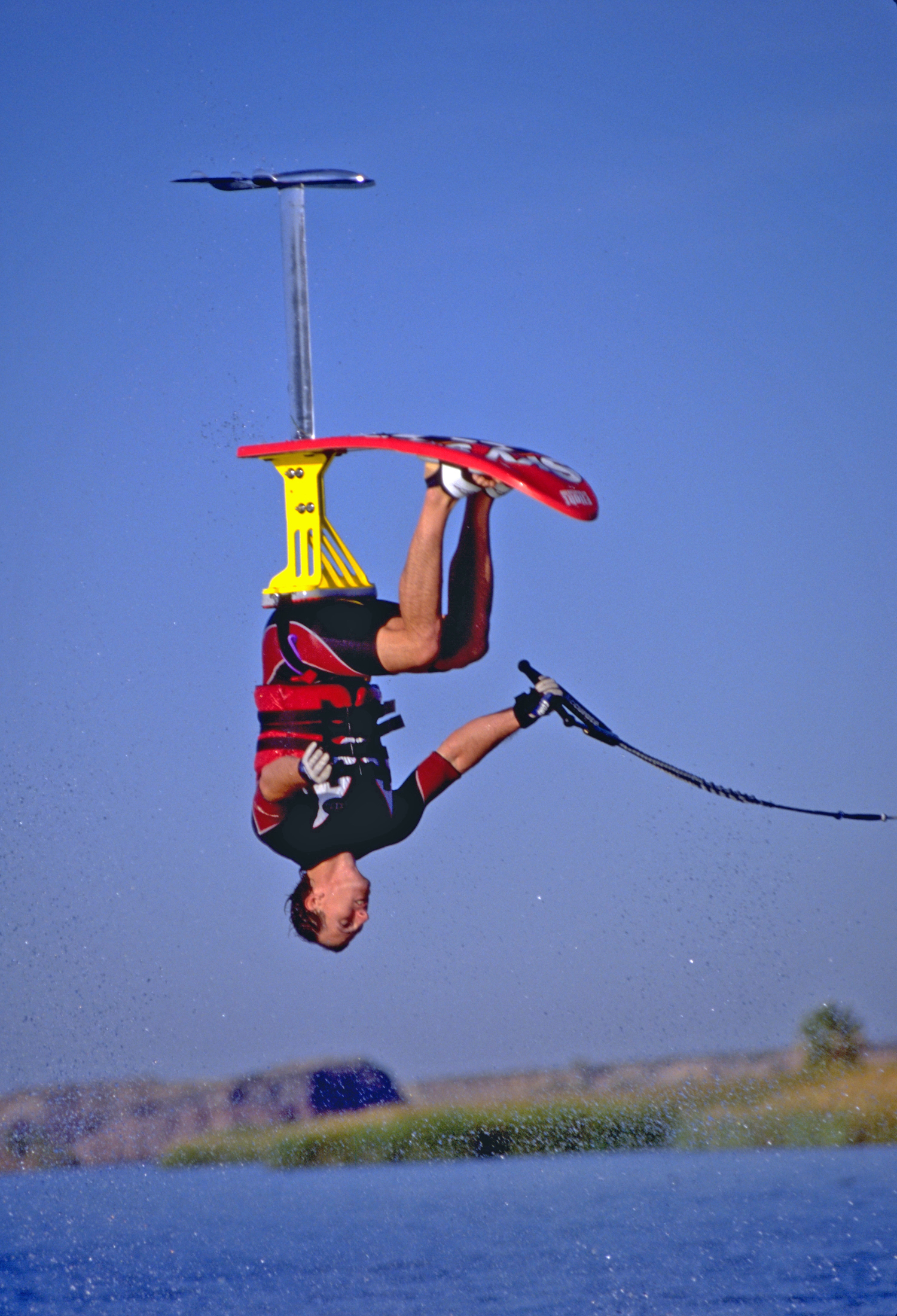 98_TonyKlarich.com_Water_Skiing_Hydrofoil_GAINER_Creative_Commons_Free_3MR
