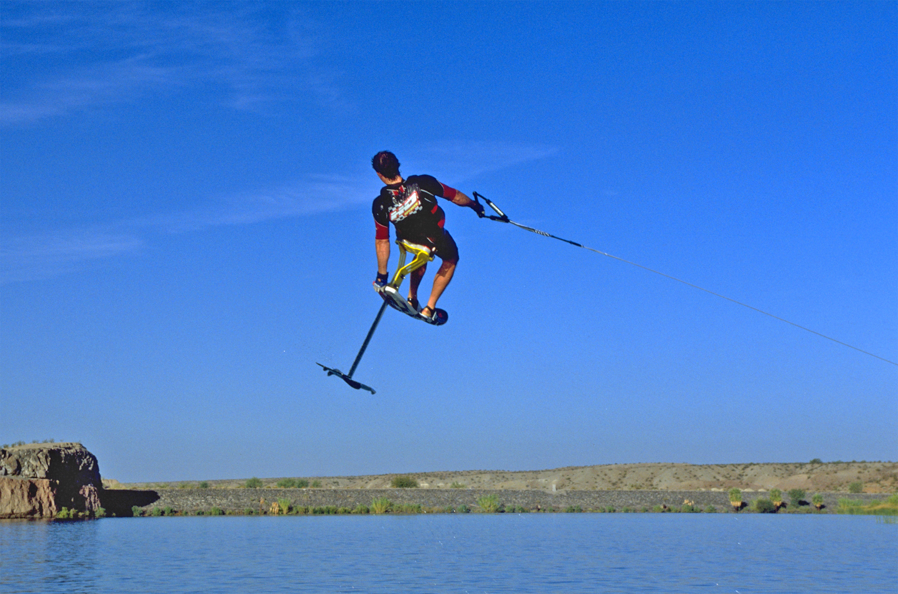 98_TonyKlarich.com_Water_Skiing_Hydrofoil_REARTAILGRAB_Creative_Commons_Free_3MR